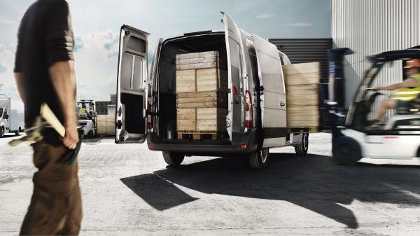 Претензия в транспортную компанию о повреждении груза: образец, как написать, куда подать